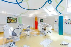 An excellent project realized by the Romanian designer Hamid Nicola Katrib, a dental clinic for children, respectively Dent Estet 4 Kids #autismawareness #autismdentist #cooldiydentist