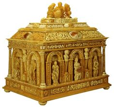 Large amber caskets belonged to the most renowned and valued objects among all the works created in Gdańsk by the masters of amber handicraft in the 17th century. They were particularly popular with monarchs who often commissioned production of these objects of exquisite beauty and used them as gifts in diplomatic relations.