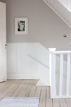Fru fix och trix: Trappräckesmålning Hallway Inspiration, Interior Inspiration, Decorating Your Home, Interior Decorating, Interior Paint Colors For Living Room, Home Interior, Interior Design, Attic House, Style Deco
