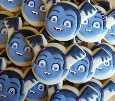 Vampirina cookies ❤ Cookie Recipes From Scratch, Gluten Free Cookie Recipes, Birthday Cookies, Cupcake Cookies, Cake Mix Banana Bread, Super Cookies, Cake In A Jar, Buy Cake, Cookie Decorating