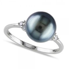 Allurez Black Tahitian Pearl Ring Diamond Accented 14k W. Gold 8-8.5mm ($600) ❤ liked on Polyvore featuring jewelry, rings, pearls, white, womens jewellery, engagement rings, diamond accent rings, black gold rings and pandora jewelry