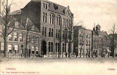 Het Volkshuis aan de Apothekersdijk.