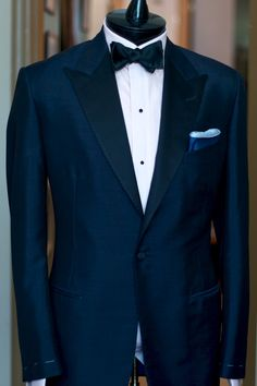 Our navy mohair tuxedo: an elegant option for your formal events on warm summer nights. #ALANFLUSSER