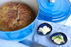 chleb z garnka przepis Muffin, Breakfast, Food, Morning Coffee, Essen, Muffins, Meals, Cupcakes, Yemek