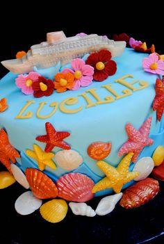 Cruise Ship Cake | da casa de cupcake