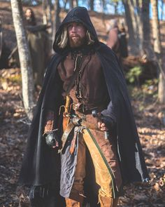 A weathered cotton canvas cloak perfect for the wandering ranger. Great for larp, cosplay, bushcraft or just for fun! 100% cotton canvas with weathered edges. Cut to be worn over your sword. 100% leather, hand-braided neck ties for the authentic look. Made to order.