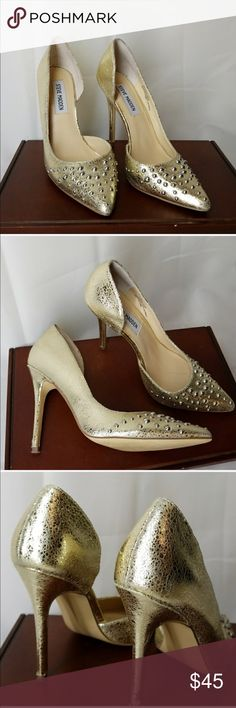 """Steve Madden Pumps STUNNING yellow gold with front studs Open side , super comfortable, only used a few times see bottom soles for use, inside soles have a light blue tint see pic4. Not very noticeable. Other than that Excellent Condition.  Leather upper.  Heel is 4"""" Steve Madden Shoes Heels"""