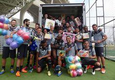 BotafogoDePrimeira: No Dia das Crianças, Botafogo faz doação de brinqu...