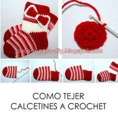 Una idea super fácil para tejer calcetines al crochet! aprende cómo hacerlos paso a paso Crochet Diy, Crochet Sole, Crochet Baby Poncho, Crochet Sandals, Newborn Crochet, Crochet Baby Booties, Crochet Slippers, Crochet For Kids, Crochet Hats