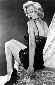 MM Photographers John Florea - Immortal Marilyn