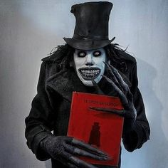 Sweet Dreams ! Babadook cosplay by @undeadmidnightcosplay