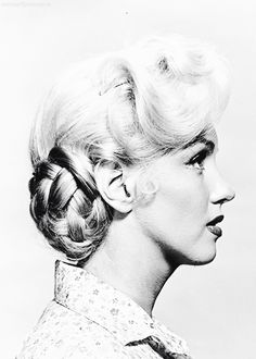 Marilyn Monroe in a hair test for River of No Return (1954)