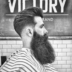 Check out these short, long and creative ways to wear a beard. For something fresh add some slashes, a fade or shape. Check out these fresh beard styles. Beard Styles For Men, Hair And Beard Styles, Beard Line, Bald With Beard, Big Beard, Facial Hair Growth, Beard Wax, Beard Shapes, Mens Hairstyles With Beard
