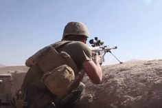 Sniper Engages Taliban Combat Video footage as the Reconnaissance Battalion engage insurgents in Sangin, Afghanistan Military Videos, Military News, Military Weapons, Military History, The Blitz Ww2, Us Special Forces, Falklands War, Afghanistan War, Us Coast Guard