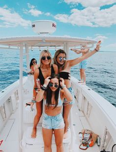 dm for pin credits ☻ - Bff Pictures Cute Friend Pictures, Best Friend Pictures, Cute Photos, Boat Pics, Lake Pictures, Summer Goals, Cute Friends, Summer Aesthetic, Best Friend Goals