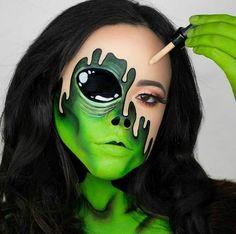 Make Up - 31 Tage Mehron Halloween Oktober . Creative Eye Makeup, Eye Makeup Art, Scary Makeup, Sfx Makeup, Extreme Makeup, Beauty Makeup, Face Makeup, Alien Make-up, Horror Make-up