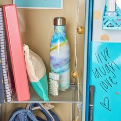 12 Ways to Have the Coolest Locker in the Hallway 12 hacks to have the coolest locker in school! Locker organization via INSPIRED home The post 12 Ways to Have the Coolest Locker in the Hallway appeared first on School Ideas. Middle School Lockers, Middle School Hacks, School Tips, School Ideas, School Schedule, Law School, Public School, School Stuff, Cute Locker Ideas