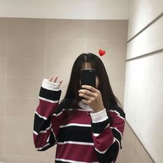 faceless selfie and photo ideas; (photos not mine) Korean Girl Photo, Korean Girl Fashion, Cute Korean Girl, Cute Girl Photo, Ulzzang Fashion, Girl Photo Poses, Girl Photography Poses, Asian Girl, Teenage Girl Photography
