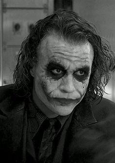 Heath Ledger as The Joker👌 Le Joker Batman, Der Joker, Joker And Harley Quinn, Joker Photos, Joker Images, Heath Ledger Joker, Joker Dark Knight, Best Joker Quotes, Joker Drawings