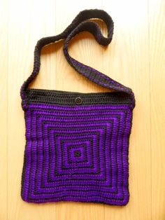 Black and Purple Bag Craft Online, Purple Things, Golden Heart, Heart Crafts, Black Handbags, Straw Bag, Handmade, Shopping, Fashion