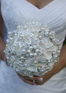WEDDING BOUQUET ROSES, PEARLS AND RHINESTONES