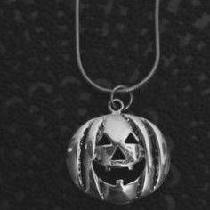 New Halloween jewelry has been listed in the shop! Featuring the Pumpkin Grins Necklace.