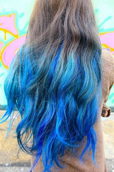 lagoon blue dip dye hairstyle for brown hair