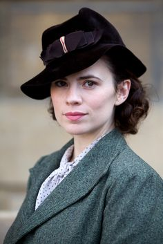 Hayley Atwell as Alienor Ponty. She is a doctoral alchemy candidate and Larra's girlfriend who goes missing Hayley Atwell, Hayley Elizabeth Atwell, Sharon Carter, Peggy Carter, British Actresses, Actors & Actresses, 1940s Fashion, Actress Photos, Me As A Girlfriend