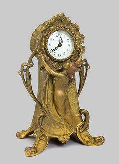 American Art Nouveau Gilt Metal Mantel Clock, New Haven Clock Co Old Clocks, Mantel Clocks, Antique Clocks, Vintage Clocks, Marie Von Ebner Eschenbach, Design Art Nouveau, Jugendstil Design, Art Nouveau Furniture, Modernisme