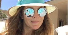Quand Drew Barrymore fête son divorce à Las Vegas Drew Barrymore Hair, Barrymore Family, Divorce, Las Vegas, Stunning Women, Beautiful, Hollywood, All Things Beauty, Famous Faces