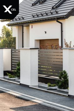 Sublime Useful Tips: Cheap Fence Stone Walls fence door home.Simple Wooden Fence… Sublime useful tips: Cheap fence stone walls fence … Brick Fence, Concrete Fence, Front Yard Fence, Bamboo Fence, Wooden Fence, Fenced In Yard, Fence Stain, Pallet Fence, Fence Gate Design