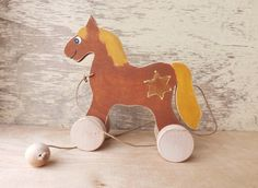 Wood pull along toy Horse in siena handmade hand-painted toys