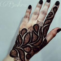 Top 10 Mehndi Designs For Eid 2017 is that the every man knows about the Eid is coming. Therefore, everyone is busy in the shopping and also making the mehndi in their hands also on feet's. There are the every buddy knows about the specialty. Rose Mehndi Designs, Henna Art Designs, Mehndi Designs For Girls, Mehndi Designs For Beginners, Modern Mehndi Designs, Mehndi Design Pictures, Mehndi Designs For Fingers, Latest Mehndi Designs, Mehndi Images