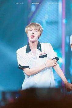 BTS 방탄소년단    160903 MBC Music Show Champion In Manila    Jin 진