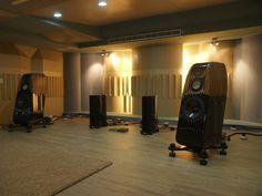Wizard High-End Audio Blog: Setup: Kharma Exquisite Classique with Gryphon Colosseum