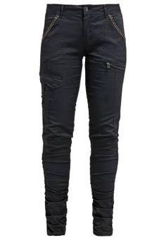 82aec6e7f948f Cream Pantalon De Tela Pitch Black Pantalones De Mujer El mundo de los  pantalones de mujer