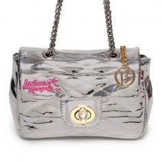 2e530bef4 17 melhores imagens de Larissa Manoela   Backpack purse, Beautiful ...