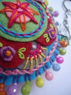 felt keyring-embroidery mandala bordada à mão