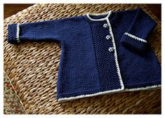 Baby Knitting Patterns We Like Baby Knitting Patterns, Baby Sweater Knitting Pattern, Baby Boy Knitting, Knitting For Kids, Baby Patterns, Free Knitting, Garnstudio Drops, Knitted Baby Clothes, Baby Coat