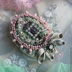 Купить Брошь БР 3027 - мятный, брошь ручной работы, Вышивка бисером, бархат, розовый
