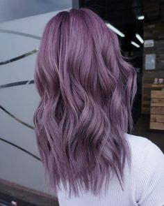 purple hair Gorgeous Hair-Color Styles You Need to Try in 2020 Purple Hair Black Girl, Short Purple Hair, Pastel Purple Hair, Lilac Hair, Hair Color Purple, Hair Dye Colors, Silver Purple Hair, Purple Bob, Purple Style