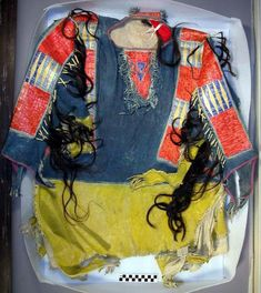 Native American Shirts, Peabody Museum, Indian Outfits, Indian Clothes, Bead Loom Bracelets, Native Indian, Sioux, Ancient Egypt, Archaeology