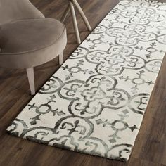 Dip Dye Collection DDY711D Color: Ivory / Charcoal - #safavieh #safaviehrugs #safaviehrunners #rugrunners #rugs #hallwayrugs #entrywayrugs #staircaserugs #staircasecarpets #entrywaycarpts #bedroomrugs #livingroomrugs #diningroomrugs #kitchenrugs #hallwaydecor #entrywaydecor #shoprugs #runnercarpets #bluerunnerrug #tauperunnerrug