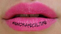 Vittime di stupro virtuale sono donne che hanno postato su Facebook una foto mentre fanno shopping o si divertono con le amiche