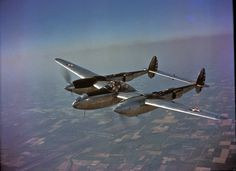 Maj. Signa Gilkey on a test fly with YP-38. #wwii #wwiiincolor #wwiicolor #aviationphotography #aviation #airforce #airplane #aircraft #fighter #usaf  #army #military #history #p38 #Lockheed #Lightning