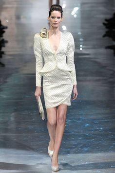 Giorgio Armani Prive Spring 2010 Couture Runway - Giorgio Armani Prive Haute Couture Collection