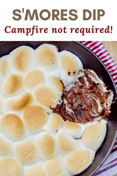 You don't need a campfire to enjoy S'Mores! Make this S'Mores dip indoors and enjoy all year long! Burnt Marshmallow, Summer Treats, Slow Cooker Recipes, Dips, Good Food, Pudding, Sweets, Desserts, Sweet Pastries