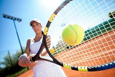 The Beginner's Guide to Playing Tennis (Or at Least Faking It Well) Tennis Scores, Tennis Rules, Tennis Tips, Tennis Gear, Foto Sport, How To Play Tennis, Tennis Serve, Tennis Workout, Tennis Players Female