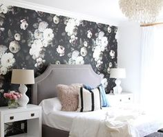 Teamed up with @horchow and @shopstyle to accessorize this dark floral guest bedroom. Head to the beckiowens.com for details + picks. #terrestreproject #horchow #ad #shopstyle
