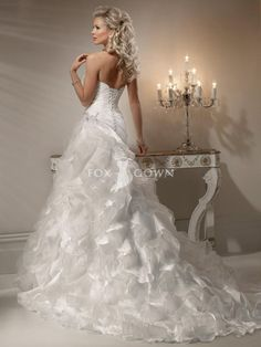Pnina Tornia Wedding Dresses what is the Dress - http://gcmweddings.com/pnina-tornia-wedding-dresses.html